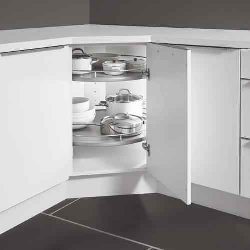 Kotna rešitev v kuhinji vrtiljak veliko prostortnine