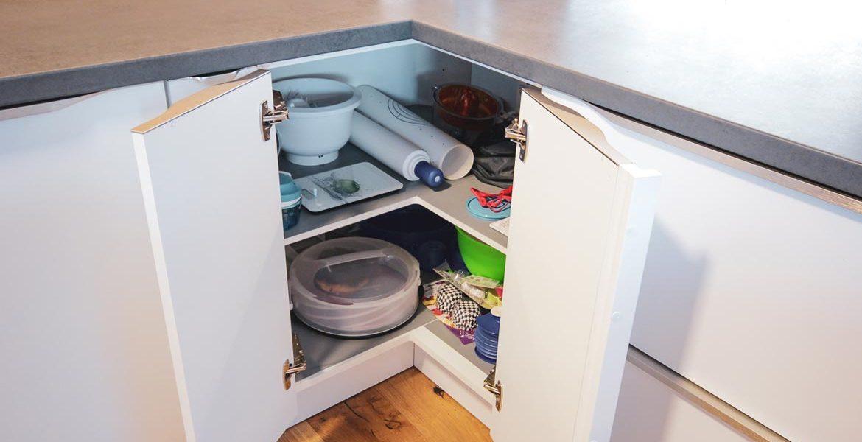 klasicna-kuhinja-funkcionalna-resitev-vrtiljak-6-web