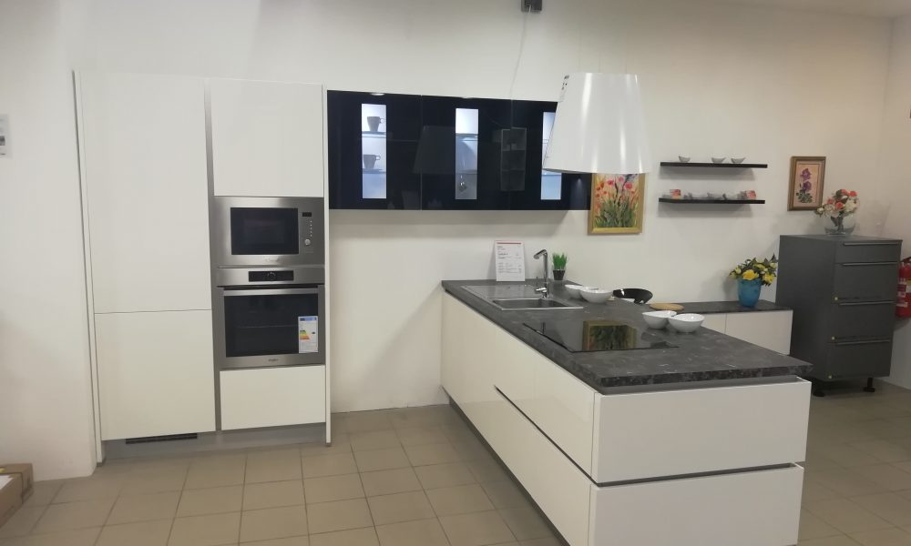 odprodaja eksponata kuhinj bele kuhinje moderna kuhinja