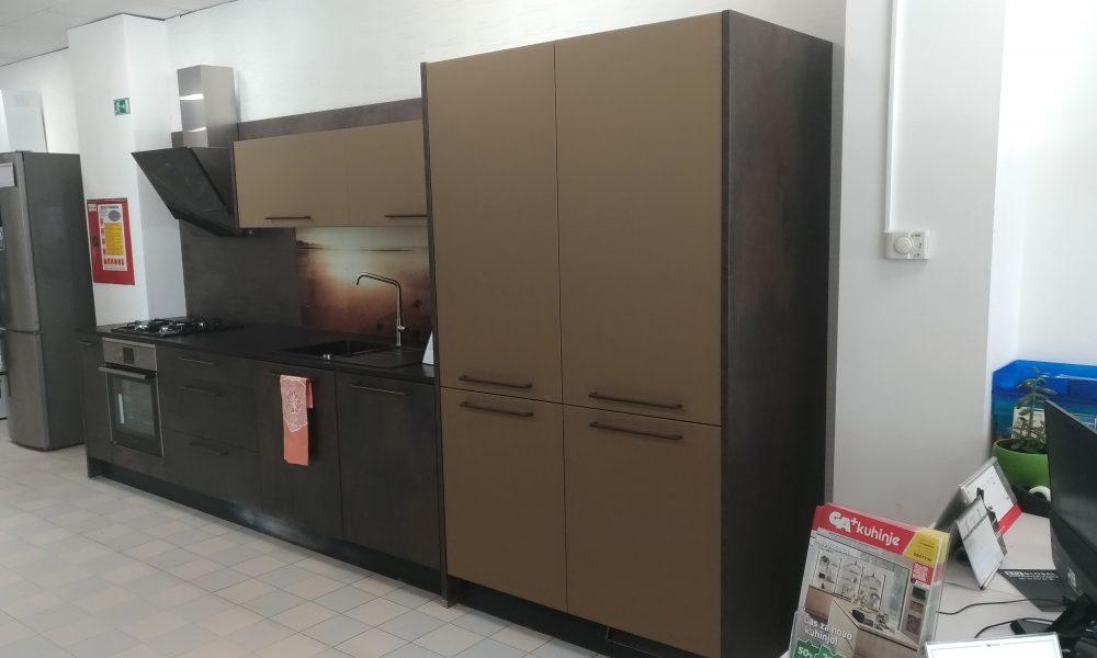Odprodaja eksponatov kuhinj Designo+ 2718