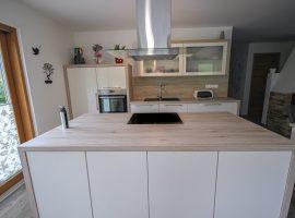 klasična kuhinja_bež barva (13)