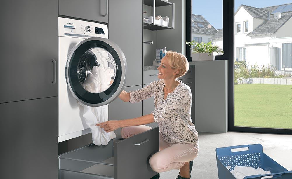 pralni stroj na višini