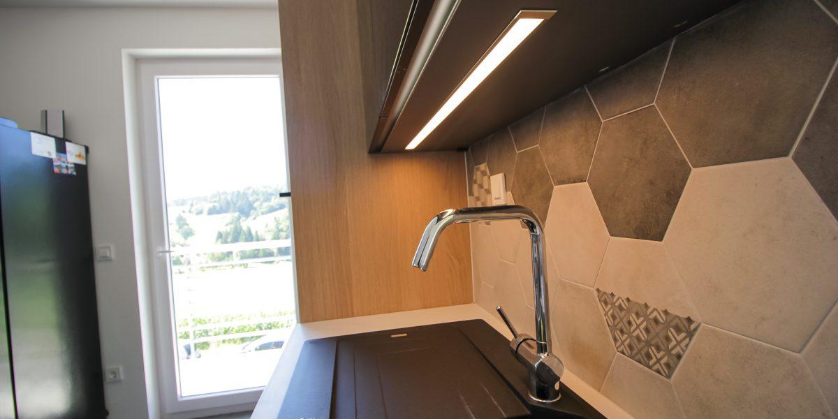 osvetlitev v kuhinji