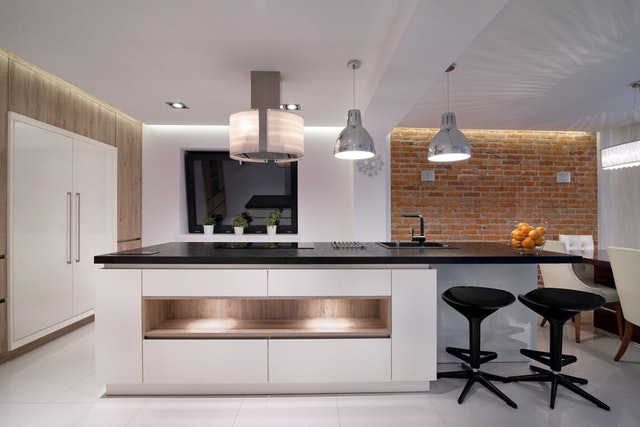 svetla kuhinja kombinacija