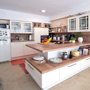 svetla-rustikalna-kuhinja-zakljucen-projekt